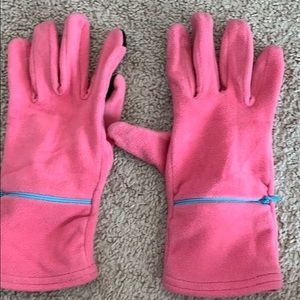 Pink cell phone tip gloves.